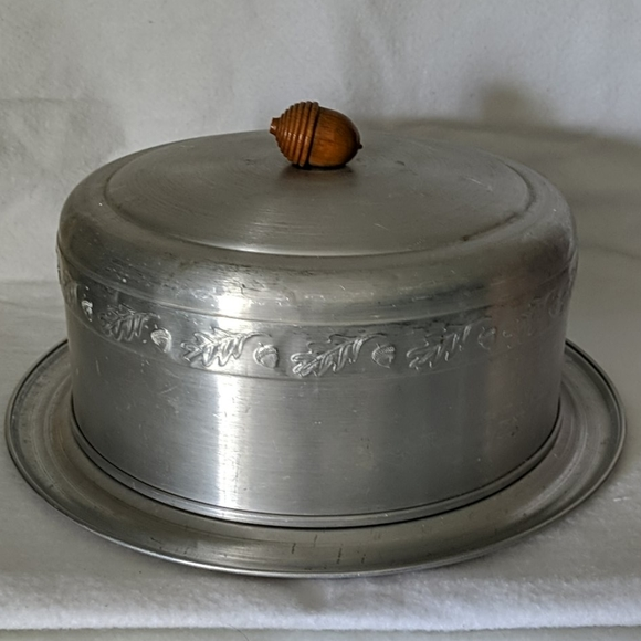 Vintage Other - VINTAGE Aluminum Covered Cake Plate